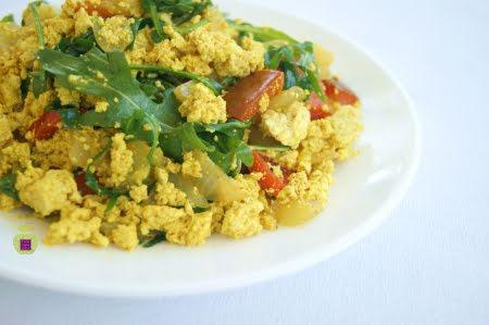Tofu revuelto con verduras