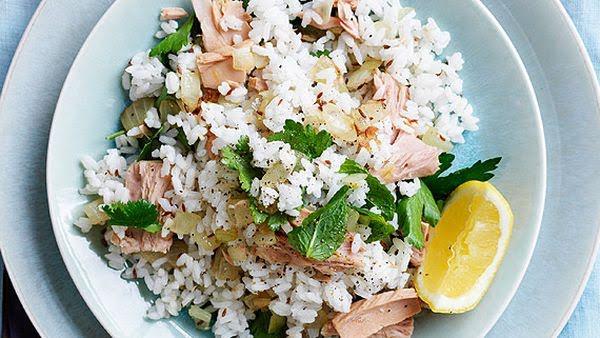 Arroz con atún y verduras