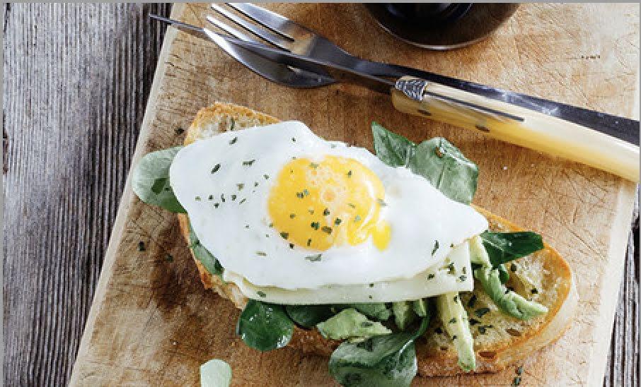 Toast de huevo y queso