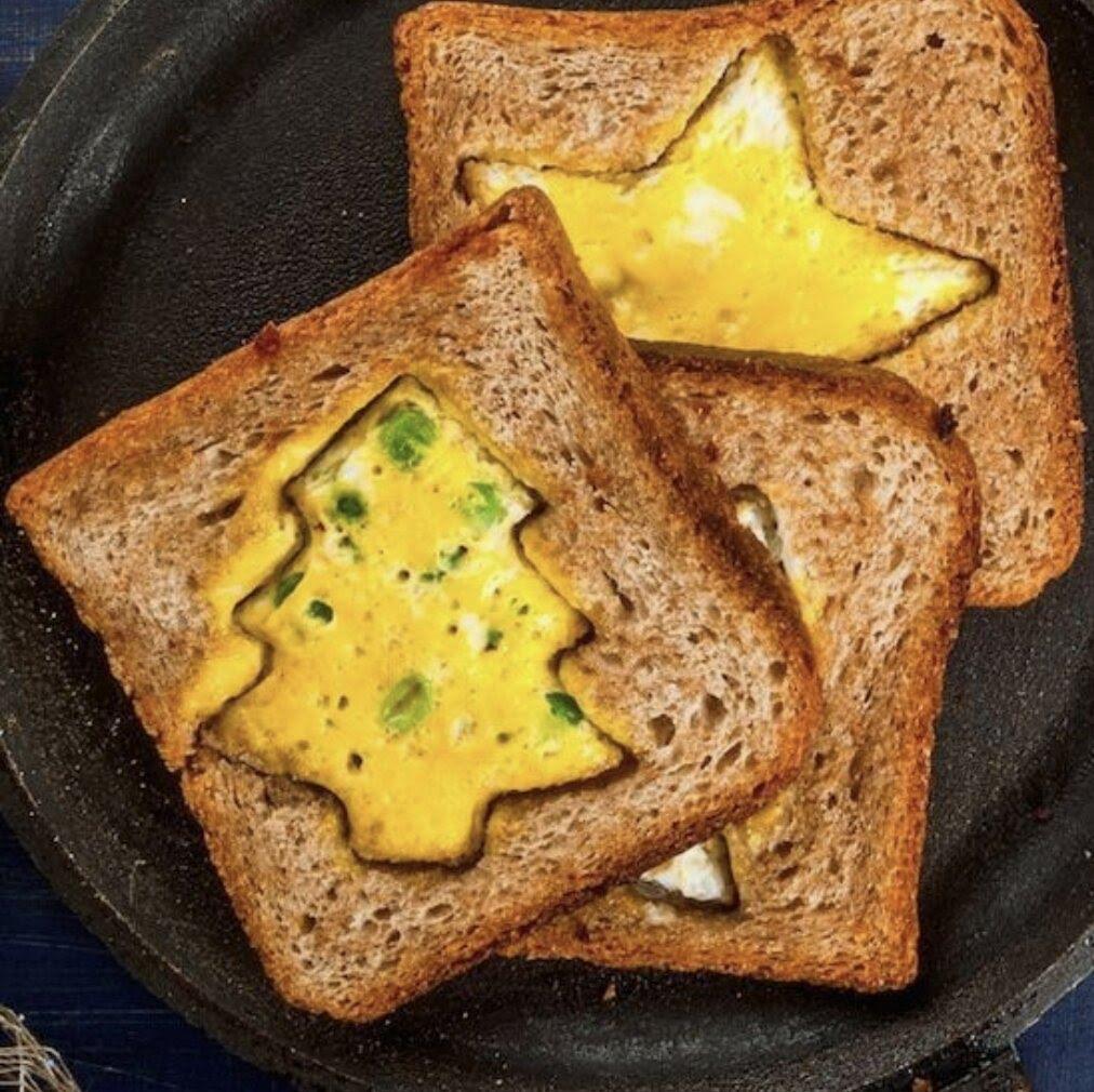 Pan con huevo en figuras