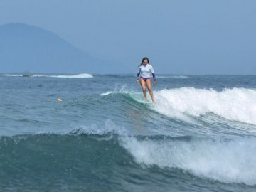 Renata Porcaro - Surf de Longboard - Litoral de São Paulo