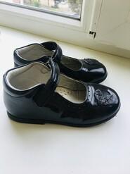 Лаковые туфли для модницы