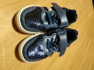 Шкільні кросівки темносинього кольору з блискітками