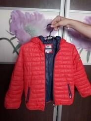 Красная демисезонная куртка IDO