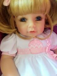 Кукла Адора.
