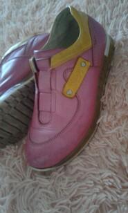 Ортопедичні кросівки