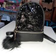Рюкзак чёрный с пайетками,  24х23