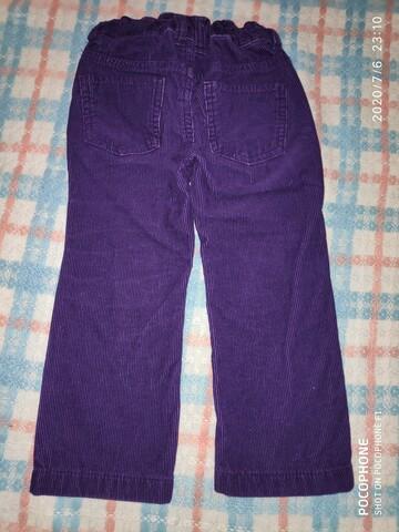 Фиолетовые брюки джинсы вельветовые на девочку фирмы H&M.