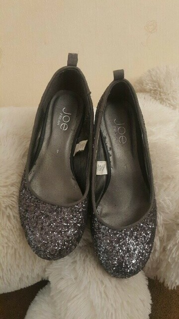 Нарядные и удобные туфли JOE FRESH