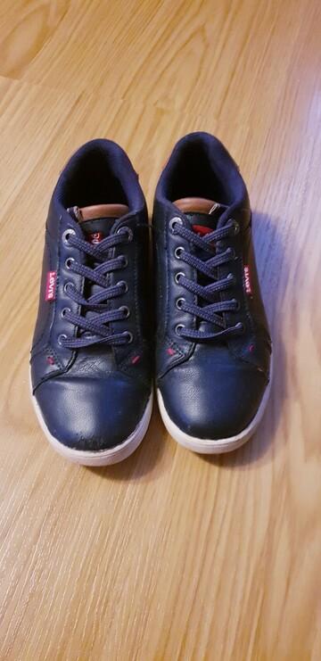 Туфлі фірми Levis