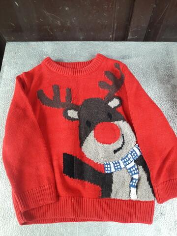 Червоний светер