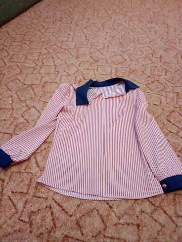 блуза розового цвета в тёмно-синюю полоску