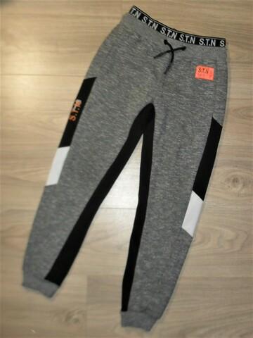 Спортивные штаны на 11-12лет