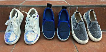 Взуття різне
