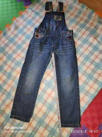 Отличный джинсовый комбинезон на девочку