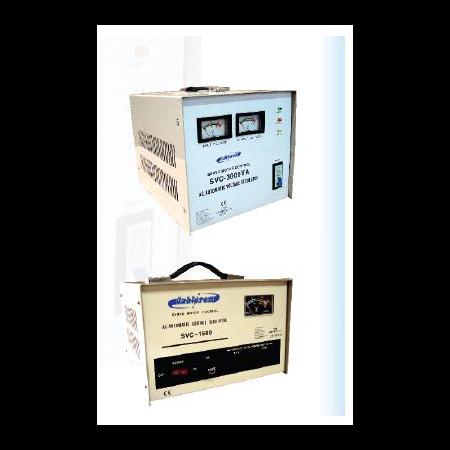 Stabilizator de tensiune SVC 1500S 1500VA  1060W 230V Cavi