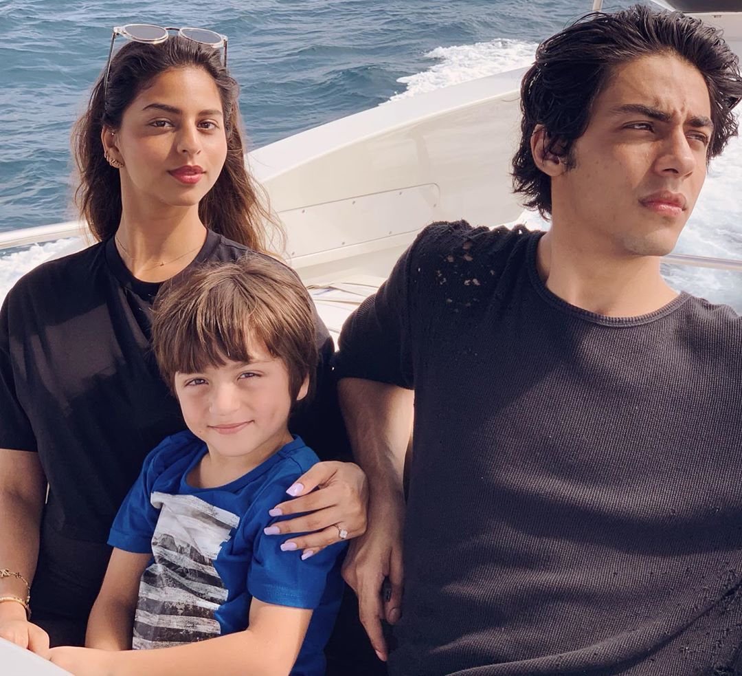 SRK and Gauri's 'Three Little' in one frame is the best thing on the internet