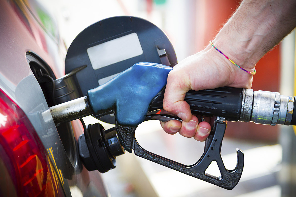 Petrol, diesel prices cut for 4th straight day