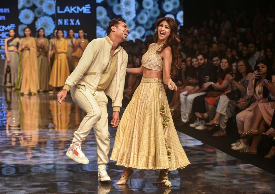 Kangana Ranaut, Malaika Arora stun at Lakme Fashion Week 2019. In Pics