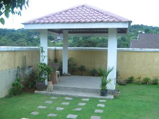 FOR SALE: House Rizal > Antipolo 8
