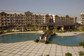 Live in Resort Everyday!