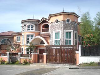 Hse&Lot fully furnished Ayala Southvale