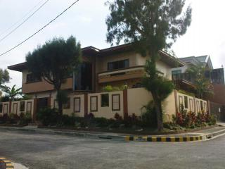 FOR SALE: Apartment / Condo / Townhouse Tagaytay 1