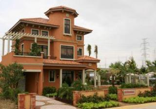 Rosenthal Model house- 3 storey single dettached, 4Br -4 Cr, 2 carport, 207sqm flr area, 200 lot area