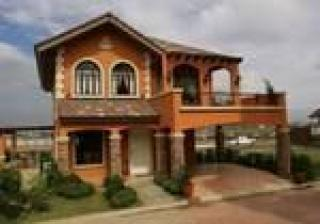 Lladro Model-single dettached house with lanai, 192 sqm flr area, 180sqm Min lot area, 2 storey house 3 BR 3 Cr, Maids room, carport, have den room and family room