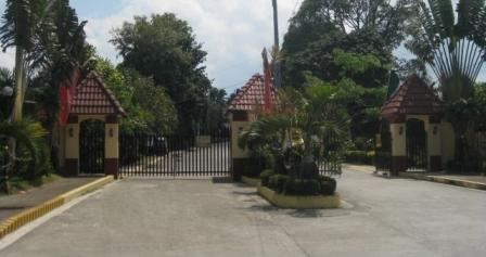 Entrance gate & guard house