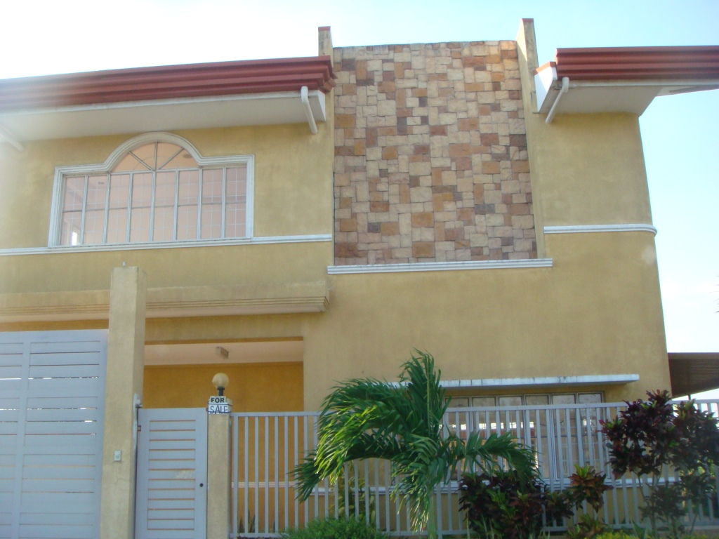 FOR SALE: House Laguna 1