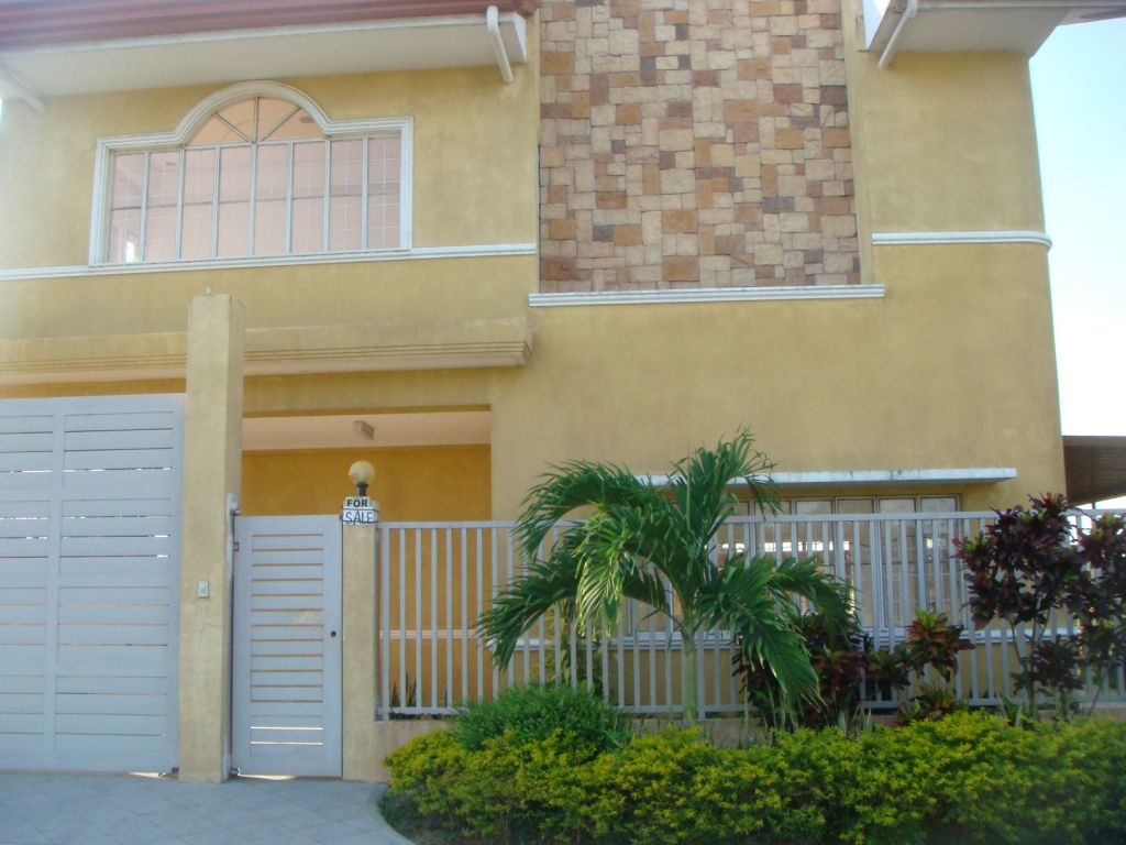FOR SALE: House Laguna 2