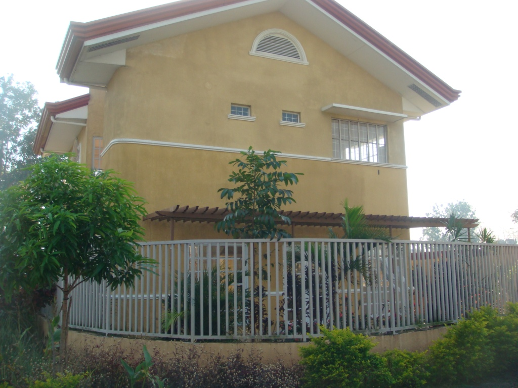 FOR SALE: House Laguna 3