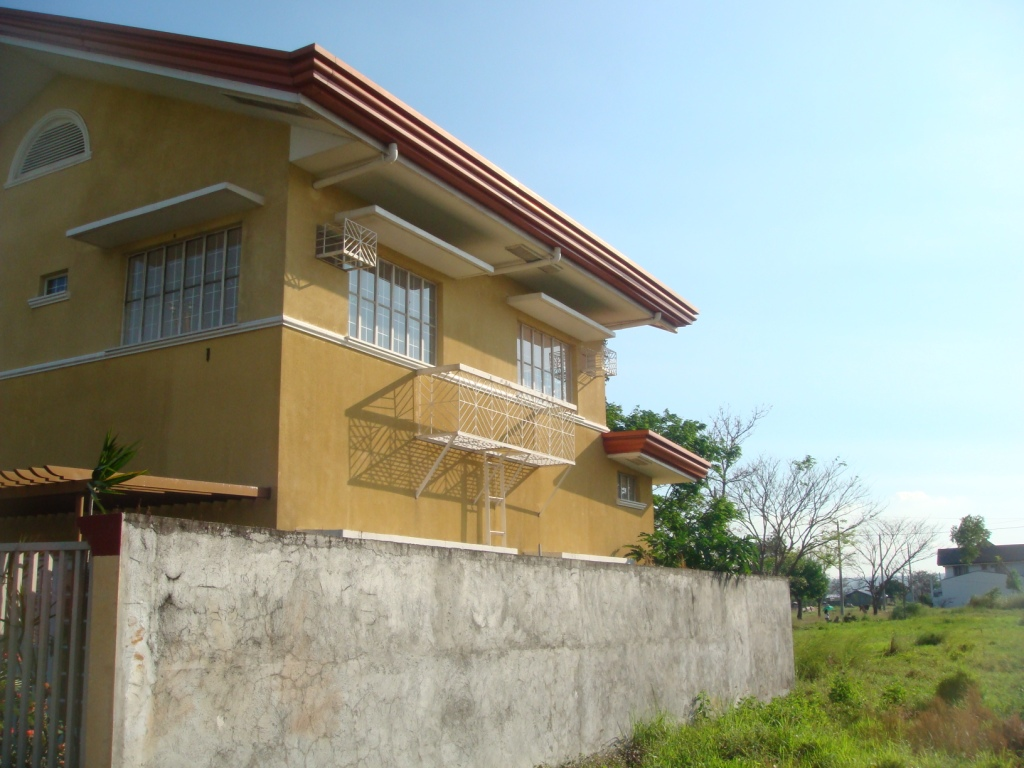 FOR SALE: House Laguna 4