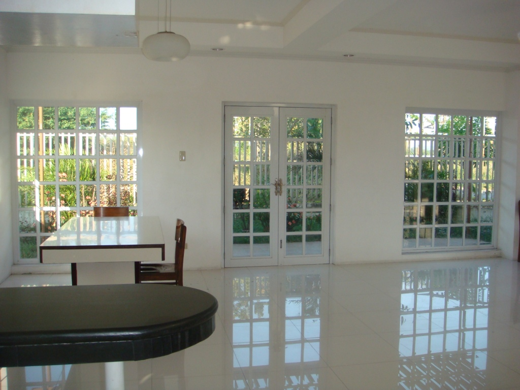 FOR SALE: House Laguna 7