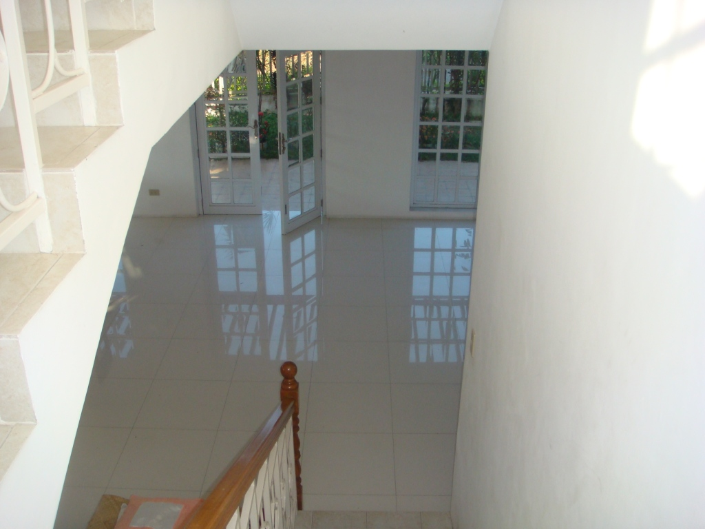 FOR SALE: House Laguna 14