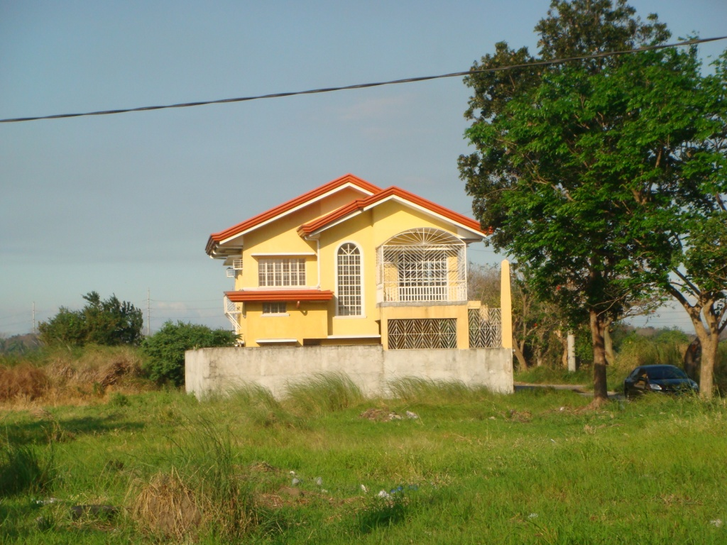 FOR SALE: House Laguna 22