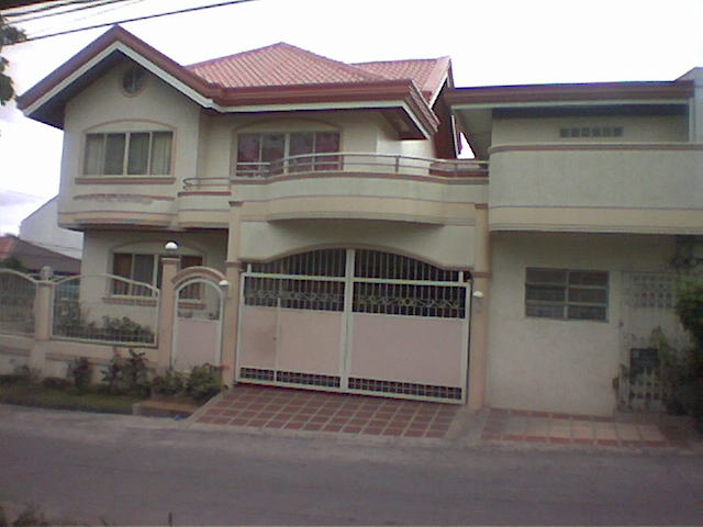 FOR SALE: House Manila Metropolitan Area > Alabang 1