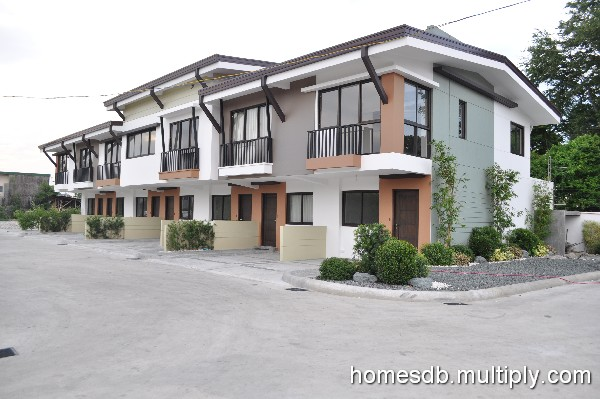 BETTER LIVING PARANAQUE 3,500,000.00. Lot Area 50 To 70 M² Floor Area 100  T0 130 M². FOR SALE: House   Manila Metropolitan Area U003e Paranaque