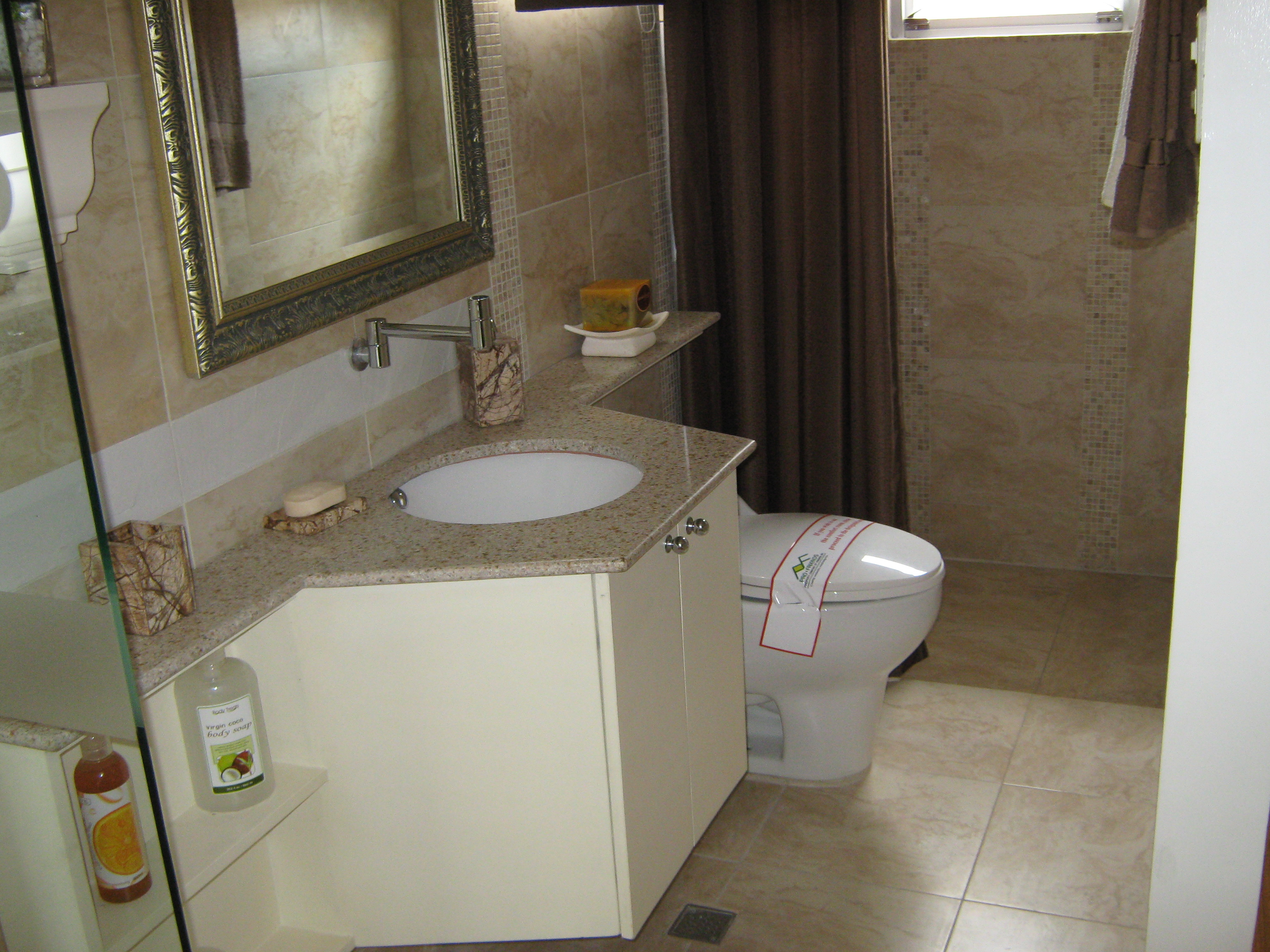 SABINE Toilet & Bath