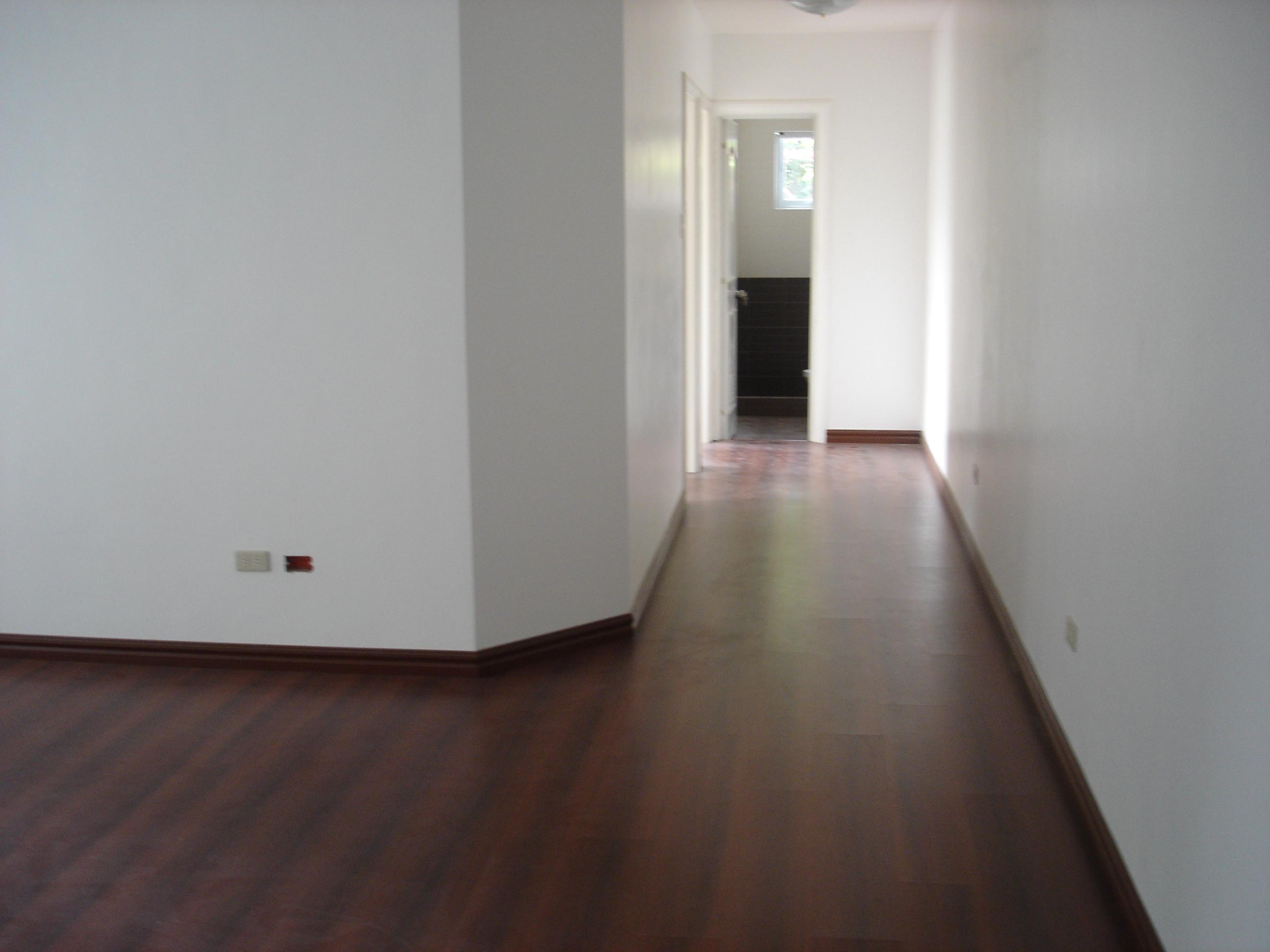 FOR SALE: Apartment / Condo / Townhouse Manila Metropolitan Area > Las Pinas 5