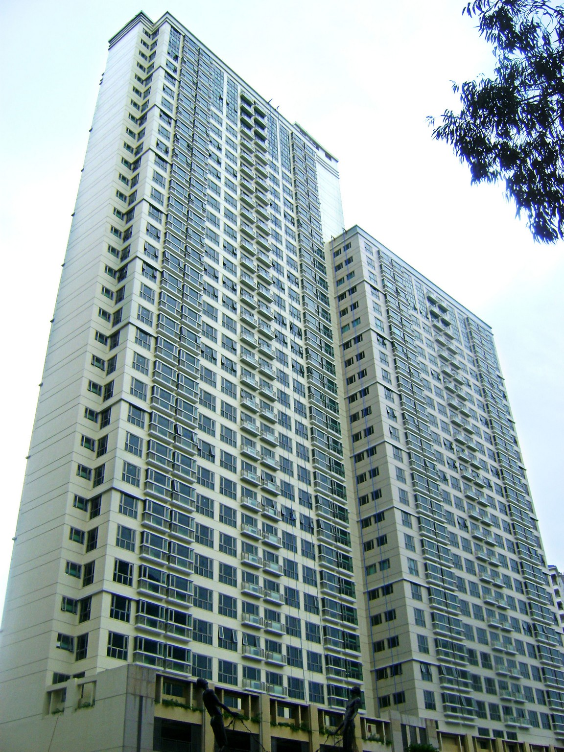 Forbeswood Parklane 1 Bedroom Units (NEGOTIABLE PRICE) Ready for Occupancy