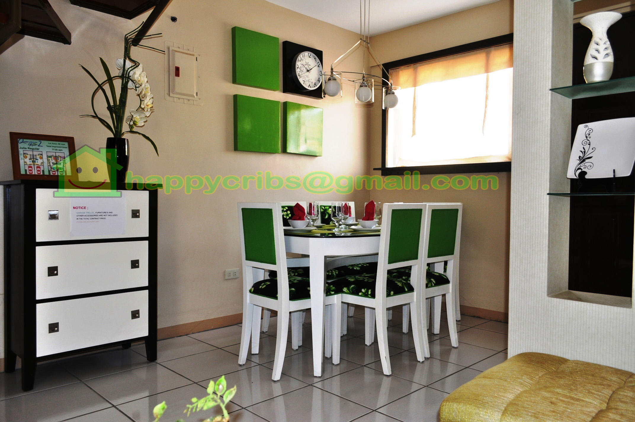DINING AREA THAT CAN ACCOMODATE 6 SEATERS DINING TABLE