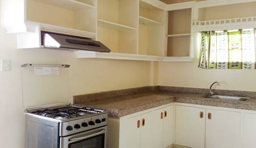 FOR SALE: House Tagaytay 4
