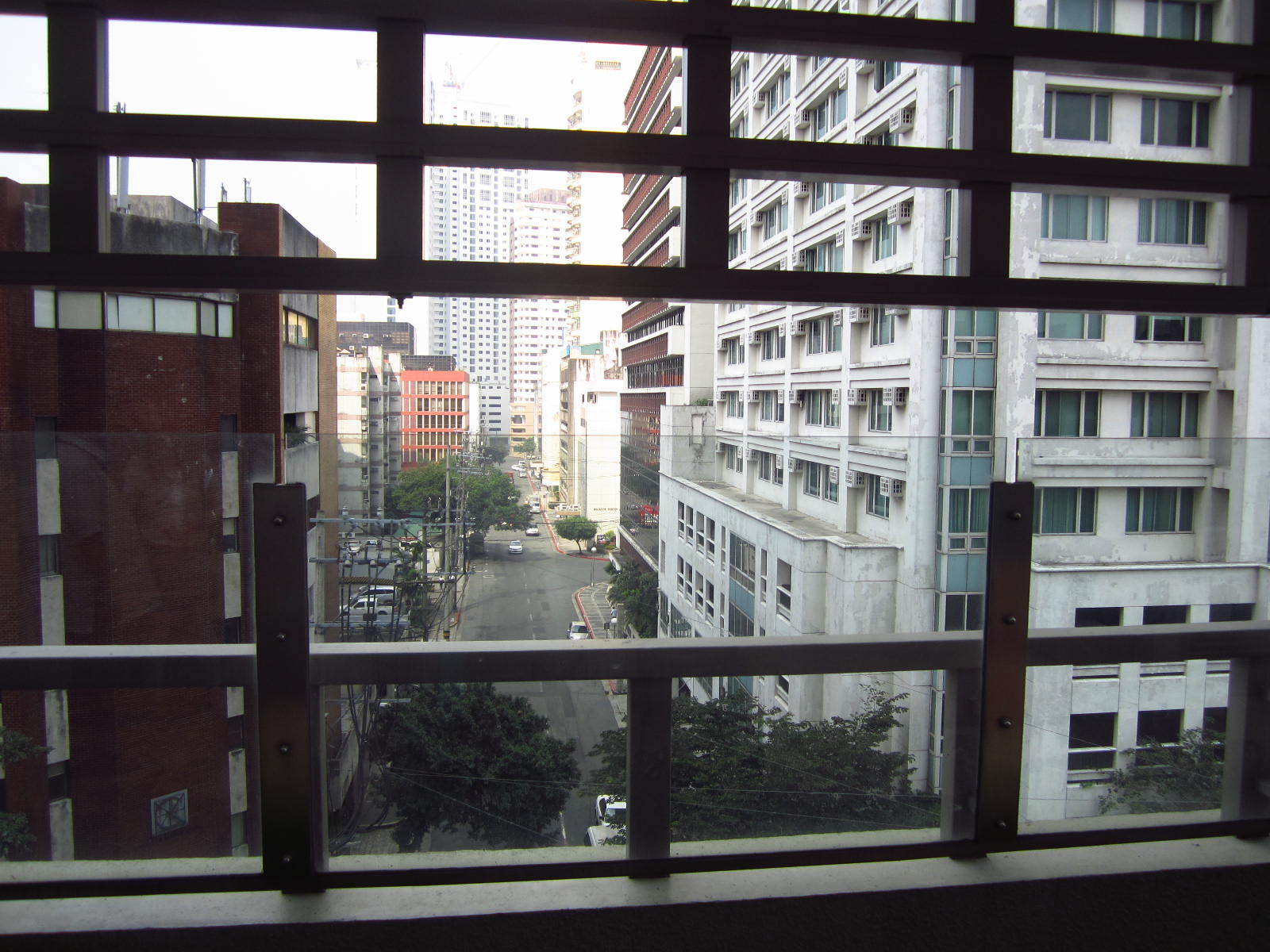 FOR RENT / LEASE: Apartment / Condo / Townhouse Manila Metropolitan Area > Makati 15
