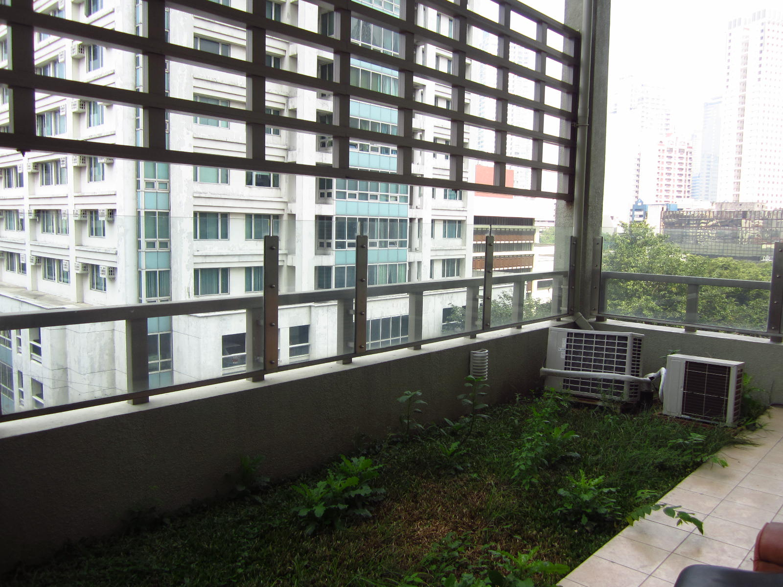 FOR RENT / LEASE: Apartment / Condo / Townhouse Manila Metropolitan Area > Makati 16