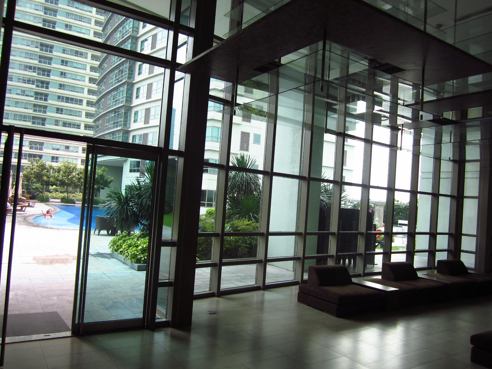FOR RENT / LEASE: Apartment / Condo / Townhouse Manila Metropolitan Area > Makati 14