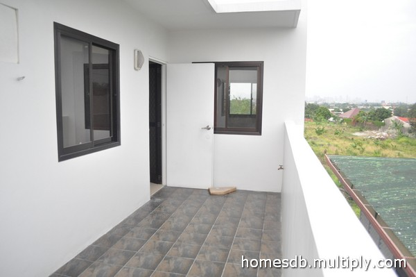 FOR SALE: House Manila Metropolitan Area > Paranaque 12
