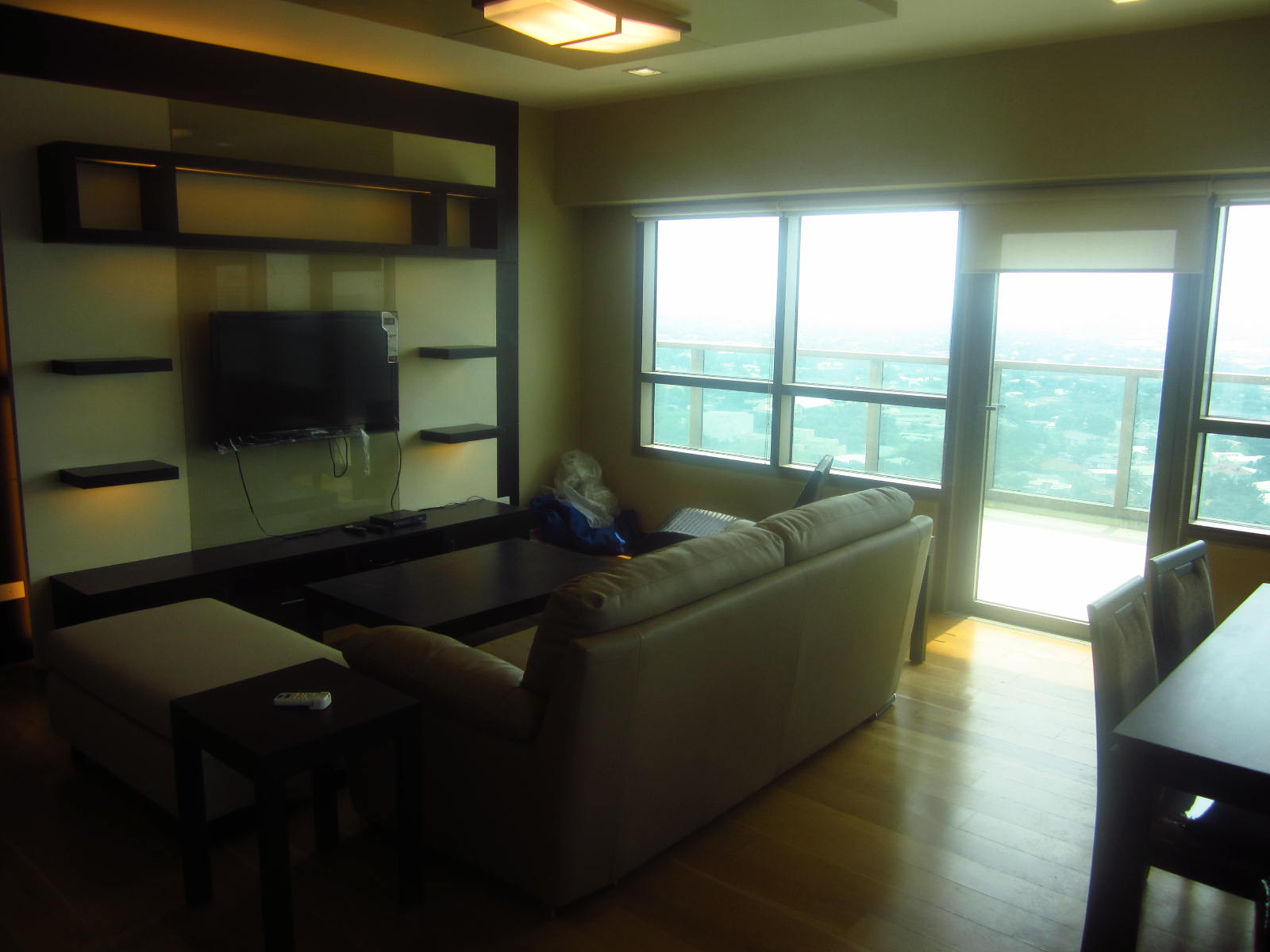 FOR SALE: Apartment / Condo / Townhouse Manila Metropolitan Area > Makati 0