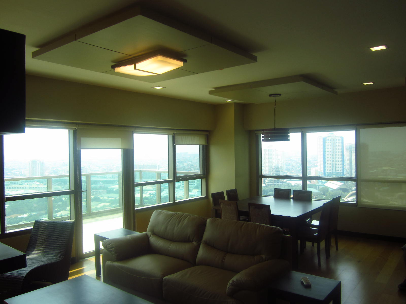 FOR SALE: Apartment / Condo / Townhouse Manila Metropolitan Area > Makati 9